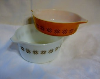 Vintage Pair Pyrex Casseroles Town and Country 1960s