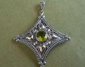 Balinese Sterling Silver Pendant Peridot gemstone  / silver 925 / Bali handmade silver art  / silver granulation art