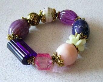Vintage Lucite Purple Bead Stretch Bracelet