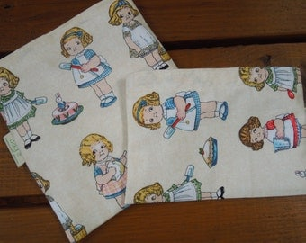 ON SALE * Reusable sandwich and/or snack bag -  It is baking time  -  Victorian girls baking - Reusable sandwich bag - Pls read notes