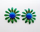 Vintage Flower Enamel Green & Blue Daisy Earrings Clips Mid Century Retro Diva 1950 Pop Art Art Deco Chic Runway Statement