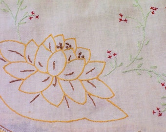 TABLE RUNNER Hand Embroidered Linen with Hand Crochet Edge Vintage 1950s