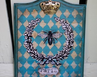 Shabby French Chic Queen Bee Paris Wall Plaque