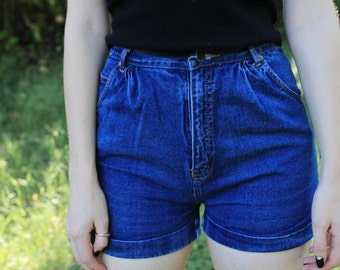 BICYCLE - 1980s Denim Shorts Dark Wash Jean Classic Retro High Waist Pleat Ladylike Pin Up Bombshell Tres Classique Small
