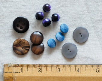 70s buttons lot