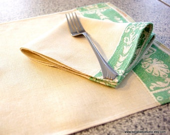 Vintage Matching Set of 2 Embroidered Placemats and Napkins