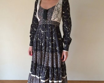 1970s Gunne Sax Lace and Floral Dress Small