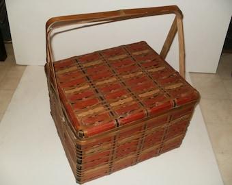 Vintage Wicker Picnic Basket - 1940s - 60s, Neat Item, Shabby Chic, Retro
