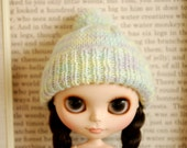 Handmade knitted hat for Blythe