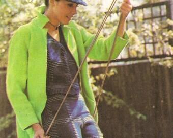 Lovely coat knitting pattern