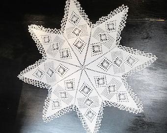 Vintage Centerpiece doily 8 point Star