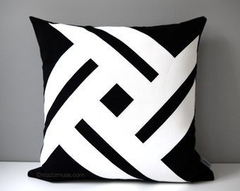 Modern Black & White Outdoor Pillow Cover, Decorative Pillow Case, Geometric Pillow Cover, Sunbrella Cushion Cover, Mazizmuse