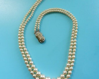 Nostalgic Vintage 1950's Two strands Glass PEARL Crystal ornate Clasp Necklace - perfect gift for mom - Art.795/3 -
