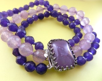 1950s Venetian lovely two tone Purple Agate stones in triple strands bracelet -Amazing Art Glass clasp for a charming old jewel -Art.867/3-