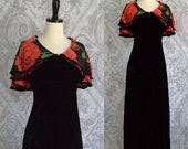 Black Maxi Dress 1970s Maxi Dress 70s Maxi Dress Long Length Dress 1970s Cocktail Dress with Floral Cape Like Collar Size Medium