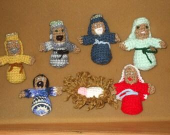 7 crocheted Christmas manger dolls - nativity scene