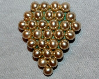 Vintage / Dress Clip / Pearl / Art Deco / Sparkling / old jewelry