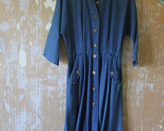 vintage.  Classic Jean Dress // S to M