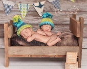 Newborn Twin Hats-Twin Boy Hats-Twin Girl Hats-Twin Hats,  Newborn Pom Pom Hats-Twin Baby Hats-Twin Photo Props-Knit Baby Hats-Crochet Hats