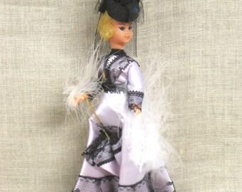 Souvenir Doll , International Dolls , Victorian , Small Dolls , Ethnic Costume , Traditional Costume , Ornate , Cloth , Female Doll , Dolls