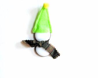 Little snowman stained glass ornament, snowman suncatcher, winter snowman gift under 10, lime green, festive winter home decor, snowmen