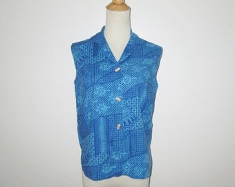 Vintage 1960s Blouse / 60s Sleeveless Blouse / 60s Blue Batik Blouse / 60s Blue Tiki Blouse By Catalina Inc. - M