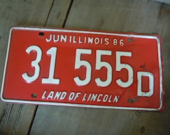 Vintage License Plate 1986 Red and White Illinois Rustic Wall Decor Cafe Bar Garage Man Cave Perch and Patina