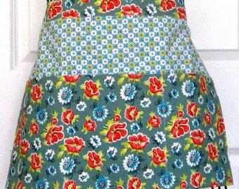 Women's Apron  - Floral Apron -  Server Apron - Teacher Apron - Crafter Apron - Gardening Apron - Vendor Apron - Half Apron