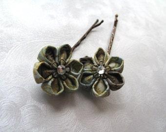 Little Antiques Kanzashi Flower Bobby Pin Pair