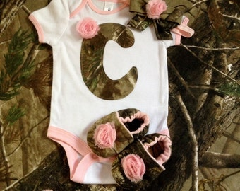 Baby girl camo real tree mossy oak gift set bodysuit, shoes and a hairband