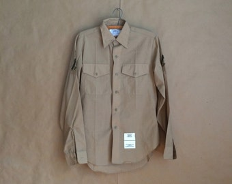 WEEKEND SALE! vintage USA military issue / 1980's man's long sleeve khaki shirt / military issue / patches / mens military shirt