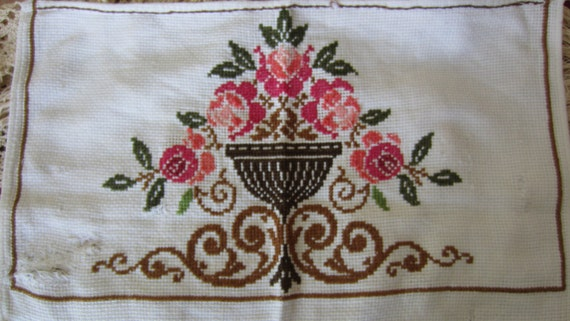 SALE Vintage Woven Flowers Wall Hanging Sewing Supplies Home Decor Kitchen and Dining