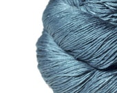 Hazy winter sky - Silk Fingering Yarn - knotty skein