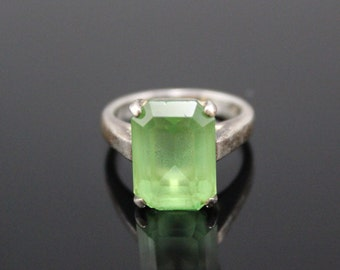 Sterling Silver Ring Green CZ Cubic Zirconia The Hollywood Collection Ring
