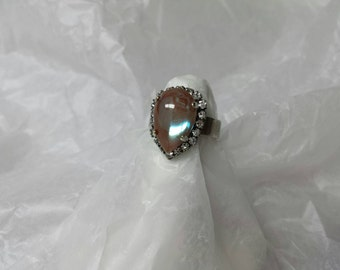 Saphiret Tear Drop Ring with Rhinestones