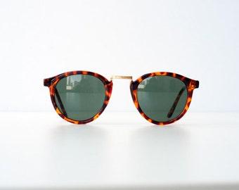 Vintage 80s Tortoise Round Circle Wayfarer Sunglasses