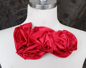 Cute  embroidered  chiffon  flower  applique