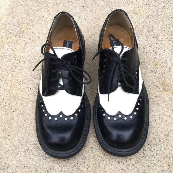 black and white 90s vintage chunky wingtip by jennyandpearl