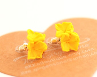 Flower earring, flower studs yellow lilac summer studs posts accessories