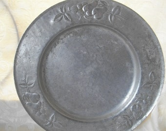 Vintage Hammered Silver Aluminum Platter with fruit by Everlast