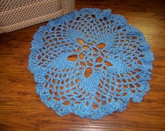 Lacy Pineapple Floor Doily, crochet, blue