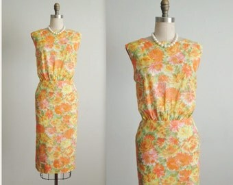60's Floral Dress // Vintage 1960's Floral Print Fitted Sheath Garden Party Dress L