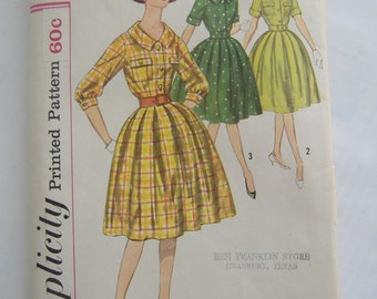 Simplicity Pattern 3555, Misses' Dress, Size 12, Bust 32, Uncut