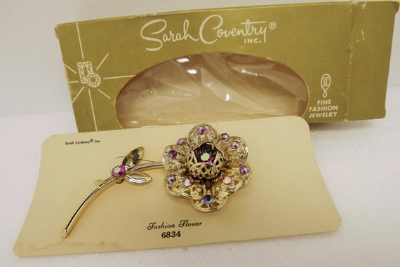 Sarah Coventry Vintage 1960s Fashion Flower Brooch in original box