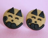 Tinky cat stud post earrings cookie and chocolate combo