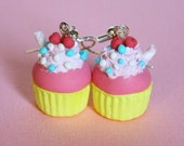 Pop cupcake earrings strawberry and banana flavored