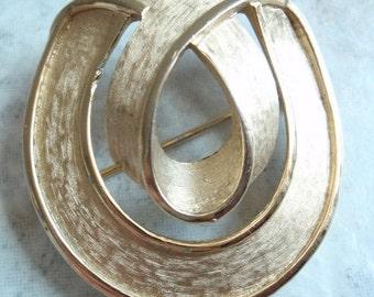 Swirl Trifari Brooch Pin Matte Ribbon Gold Tone Vintage