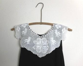 Vintage Dress Collar Filet Crochet Handmade White Yarn Heart Bird Flower Motifs