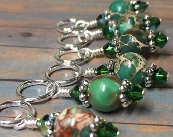 Green Magnesite Stitch Marker Holder & Snag Free Stitch Markers- Knitting Gift- Tools