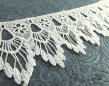 Bridal White Venise Lace Victorian 2.5 inch Scalloped Fringed Lace Trim by the yard